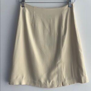 Tommy Bahama Silk Skirt Size 4 Cream
